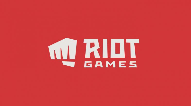 Os empregados de Riot levan as súas protestas á rúa