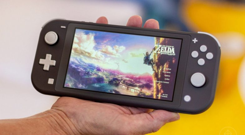 Nintendo Switch Lite xa está nas tendas
