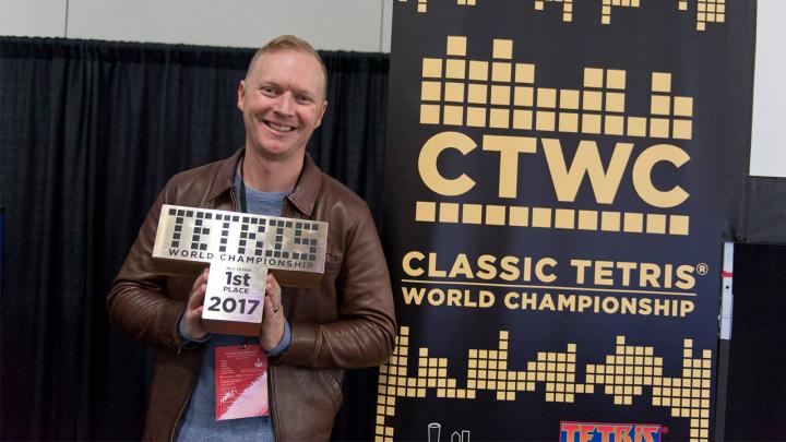 Faleceu Jonas Neubauer, sete veces campión do mundo de Tetris